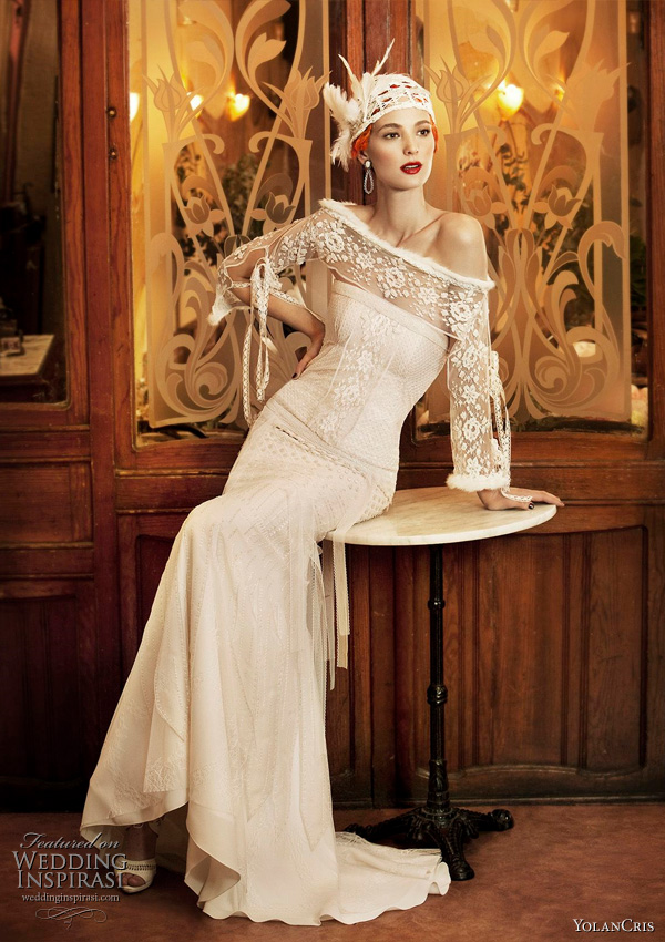 For more of these beautiful vintage style wedding dresses click here