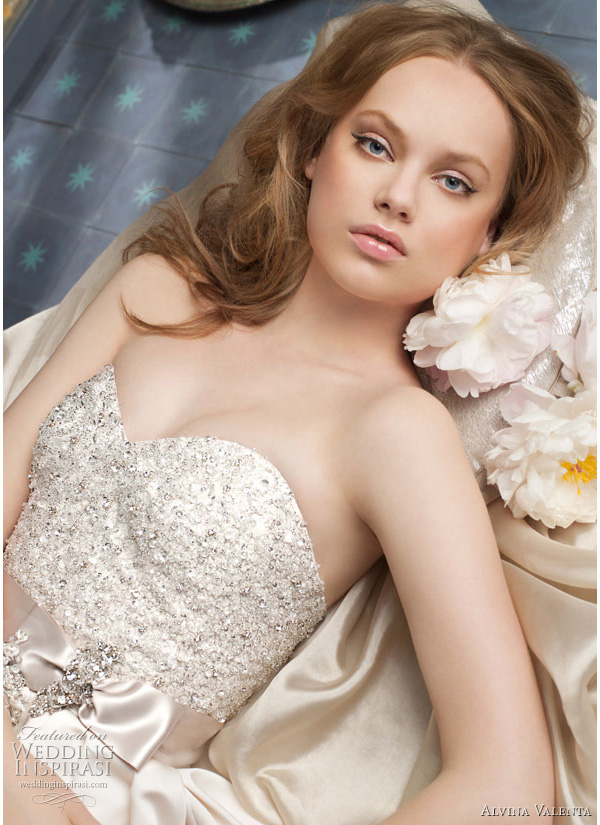 2011 alvina valenta wedding dress