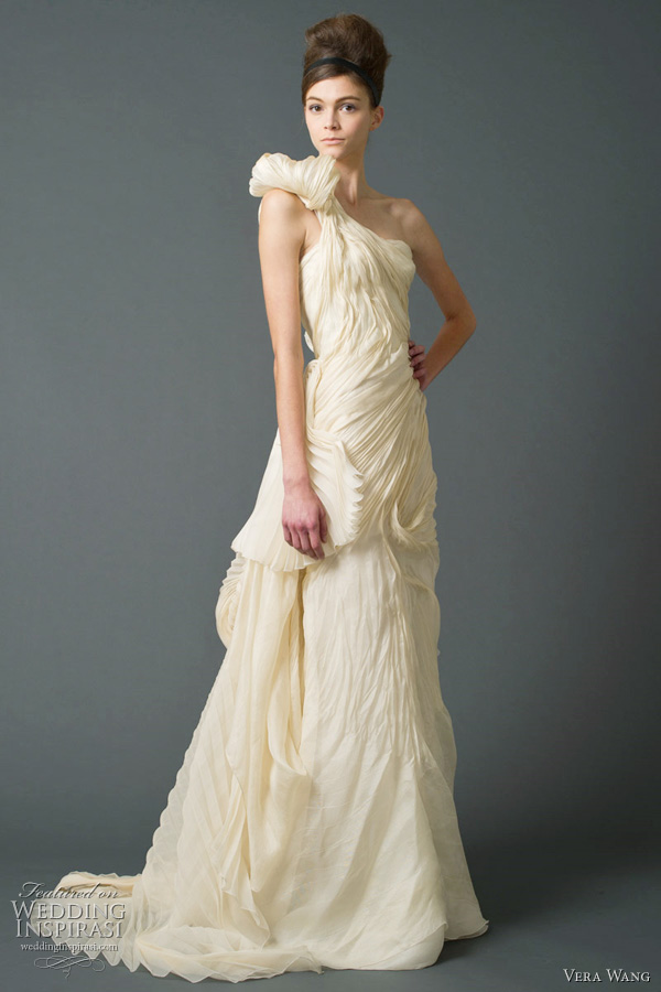 vera wang fall 2011 wedding dresses Strapless trumpet wedding dress with
