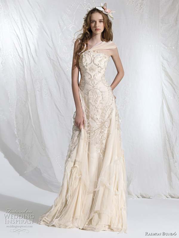 bohemian princess wedding dress 2011 - Aralia bridal gown
