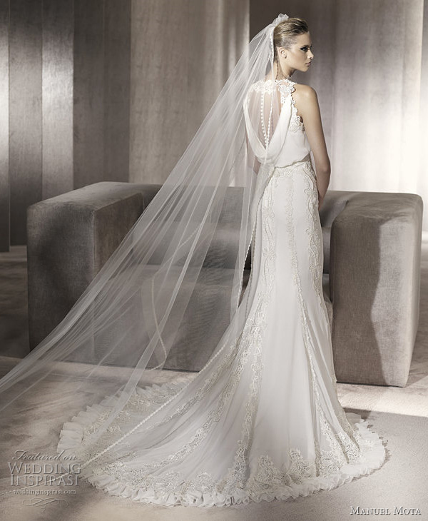 manuel mota 2012 collection wedding dress puebla back view of gown showing train and veil