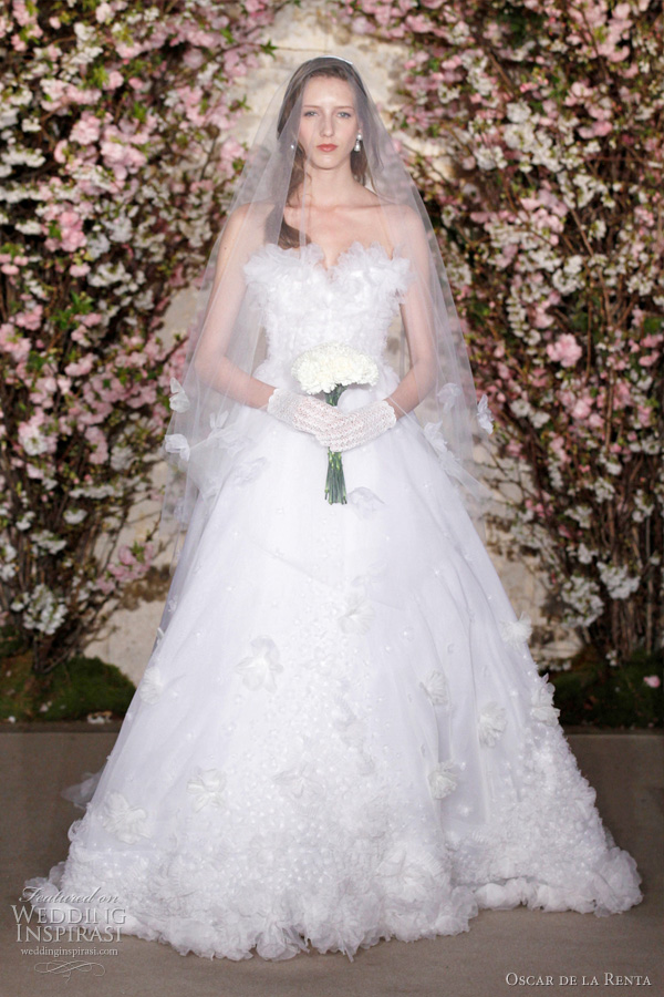 oscar de la renta spring 2012 - strapless ball gown wedding dress