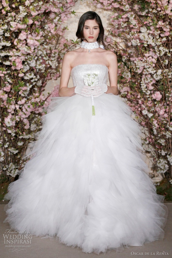 oscar de la renta spring summer 2012 bridal - romantic ball gown wedding dress