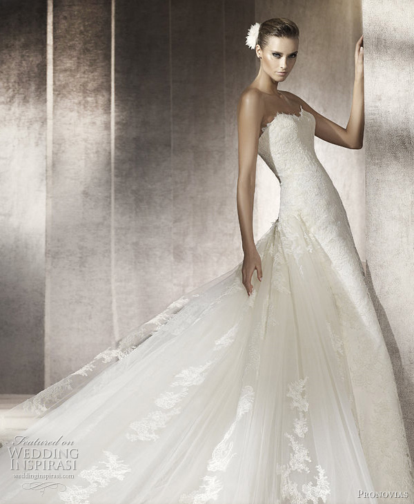 pronovias 2012 - Pluma wedding dress