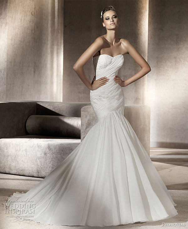 Pronovia Wedding Dress