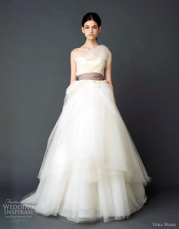 vera wang 2012 bridal - Strapless ballgown with tiered tulle confection skirt, sunburst pleated bodice and grosgrain multi-bow sash.