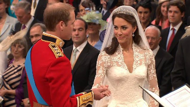 william and kate wedding dress. william and kate wedding 2011
