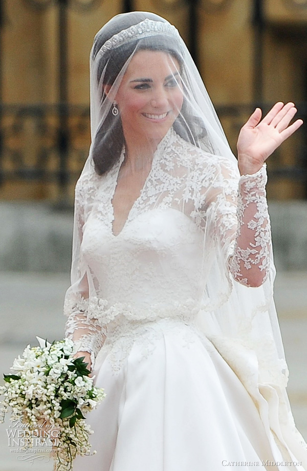kate middleton wedding dress large - Catherine Middleton wear a Sarah Burton for Alexander McQueen gown on her wedding
