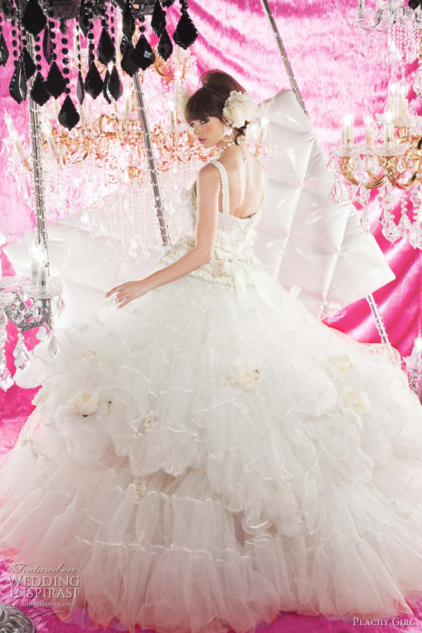 peachy girl wedding dresses 2011 - kawaii cute bridal gowns from Japan