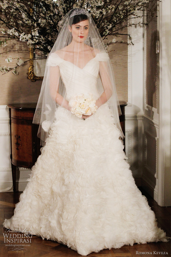 romona keveza 2012 - wedding dress with cap sleeves