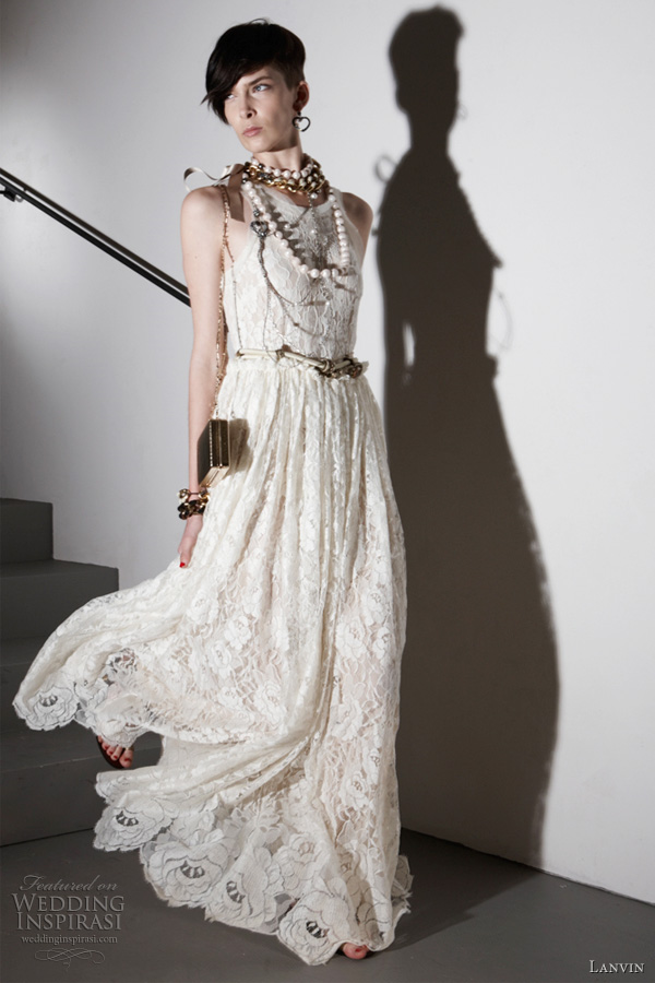 Sharias Blog The Wedding Dresses Can Have A Touch Of Summer In - Shabby Chic Wedding Dress