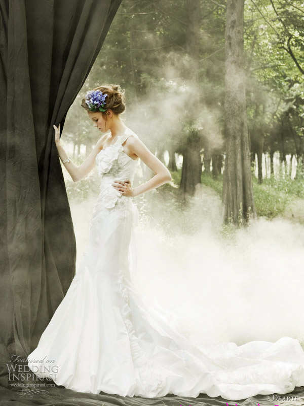 dearte wedding dresses 2011 - dreamy wedding setting