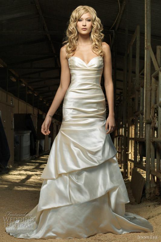 Wedding Dress With Pick Up Skirt 36 Stunning  pick up skirt