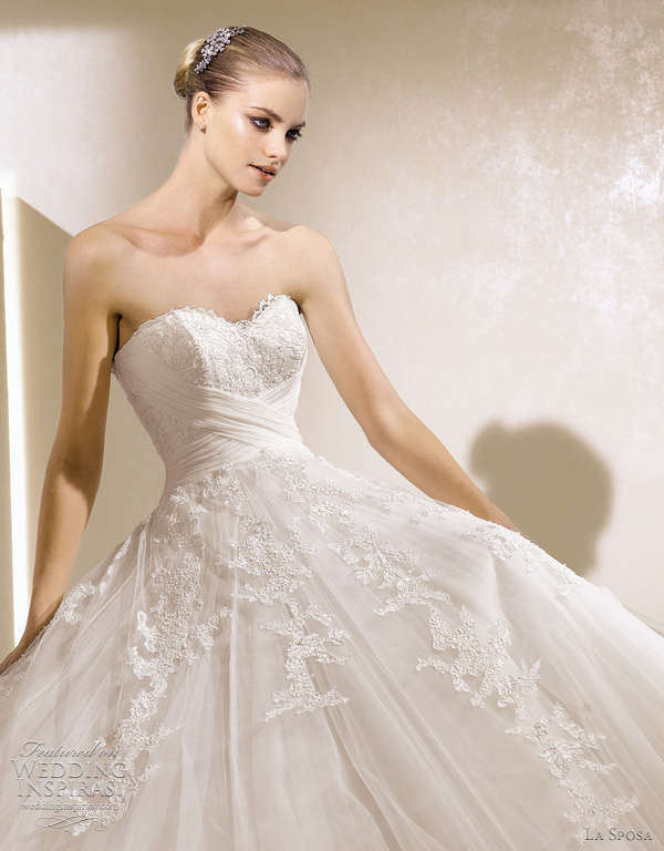 la sposa 2012 - Secreto wedding dress closeup