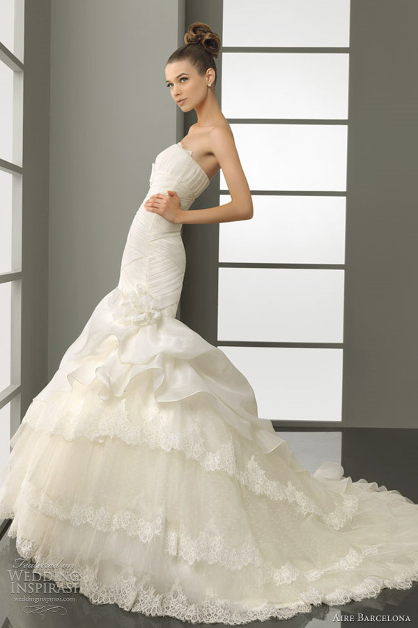aire barcelona paz wedding dress 2012