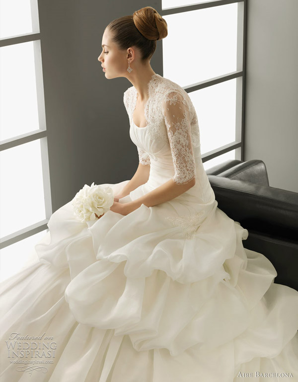 aire barcelona wedding dress 2012 - Pandora-Organza gown, in ecru.