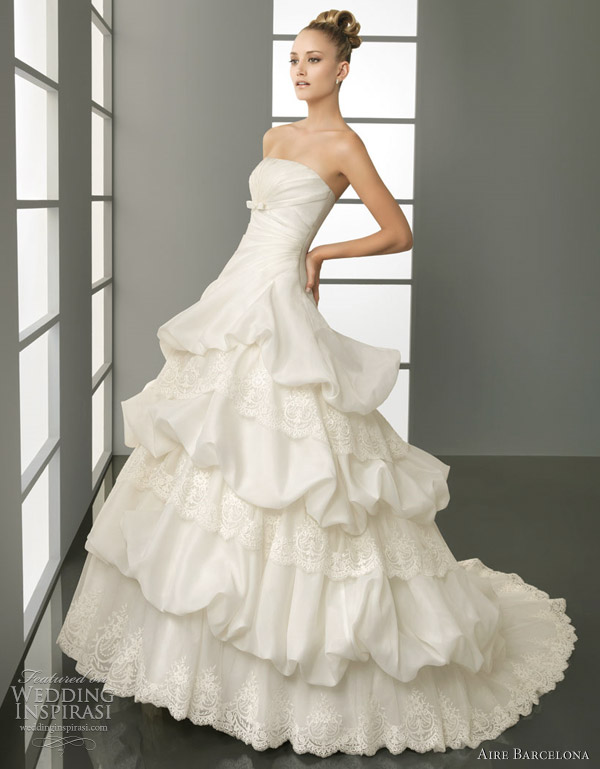 aire barcelona wedding dresses 2012 - picaro-Organza and rebrodé lace dress, in natural.