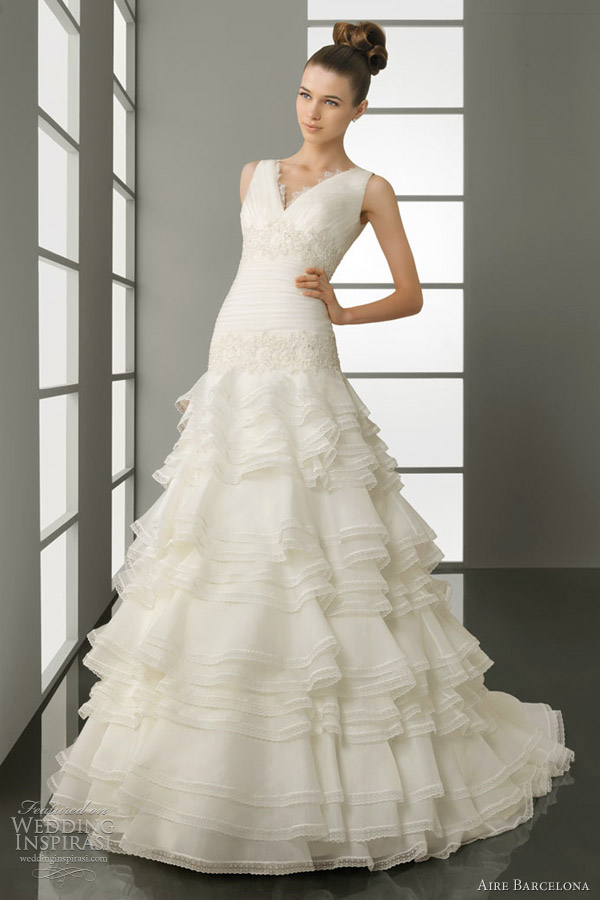 aire barcelona wedding gowns 2012 piramide
