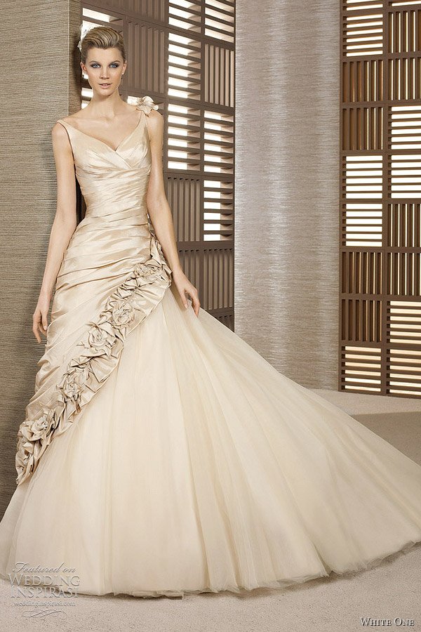 White one 2012 wedding dresses wedding inspirasi for Champagne color wedding dresses