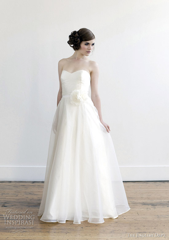 Alabaster Wedding Dress 11 Fancy elizabeth dye english dept