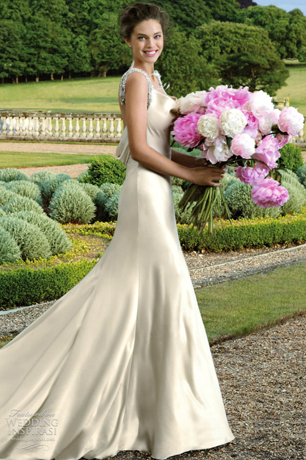 pronovias wedding dress 2012 - embrujo