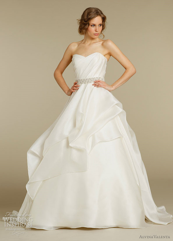 Alvina valenta wedding dresses spring 2012 wedding inspirasi for Silk organza wedding dress