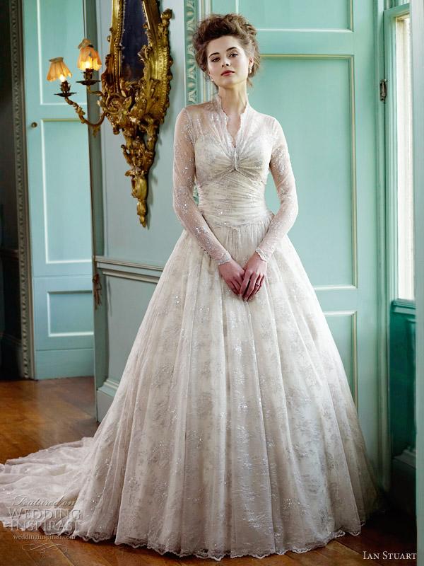 ian stuart killer queen collection 2012 - Basillica wedding dress