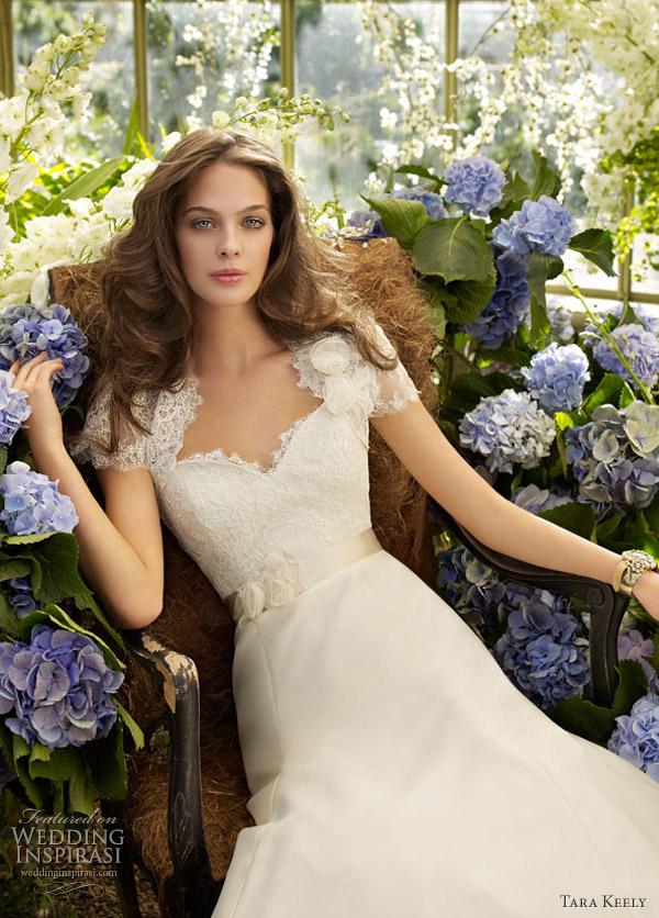 tara keeley 2012 - wedding dress style 2205