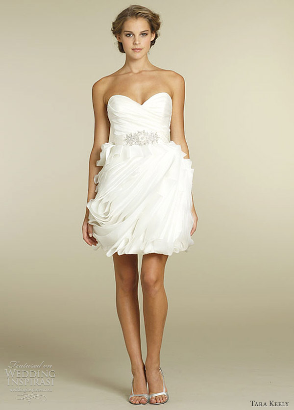 Tara keely wedding dresses spring 2012 wedding inspirasi for Short spring wedding dresses