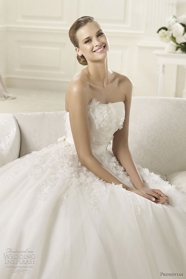 pronovias 2013 collection dogma wedding dress