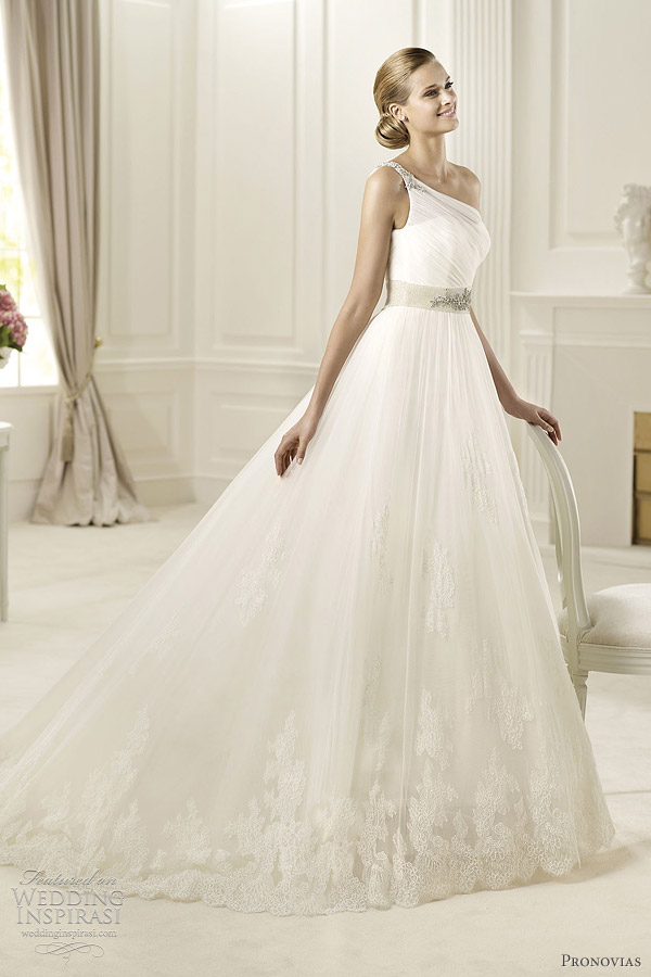 Pronovias Wedding Dresses 2013 Preview Collection