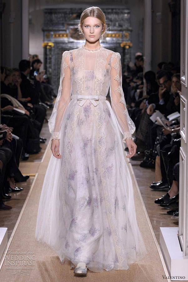 valentino wedding dress spring 2012