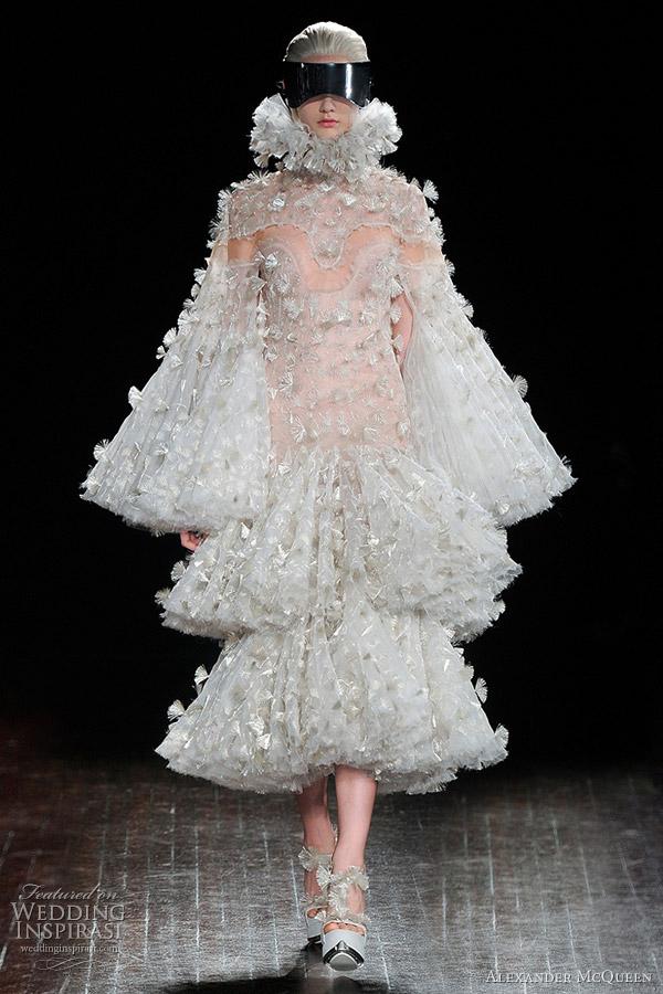 Alexander mcqueen fall winter 2012 2013 wedding inspirasi for Alexander mcqueen dress wedding