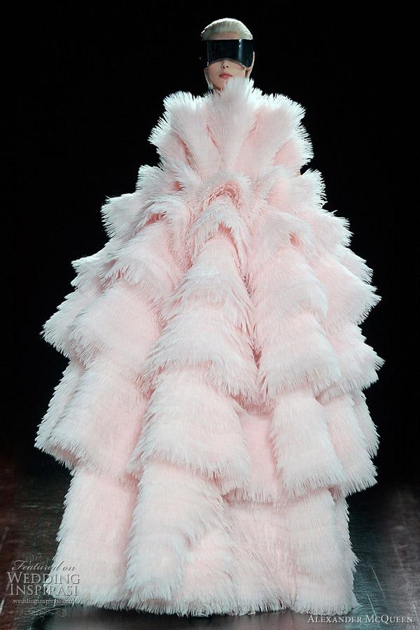 Alexander mcqueen fall winter 2012 2013 wedding inspirasi for Alexander mcqueen wedding dresses price