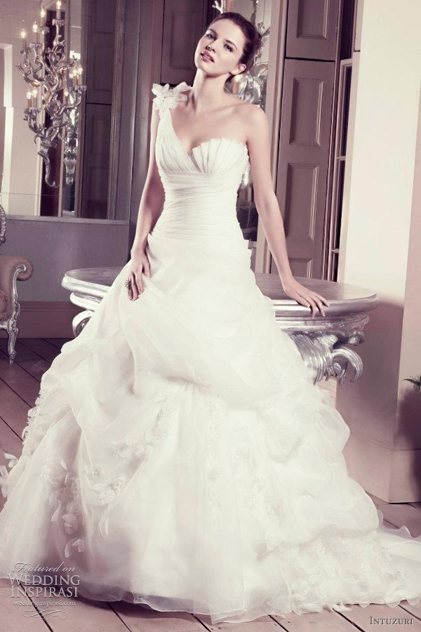 intuzuri wedding dress 2012 arabella