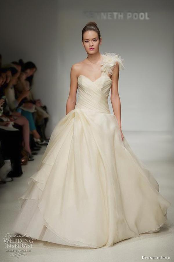 Farrah Wedding Dress 0 New kenneth pool fall collection