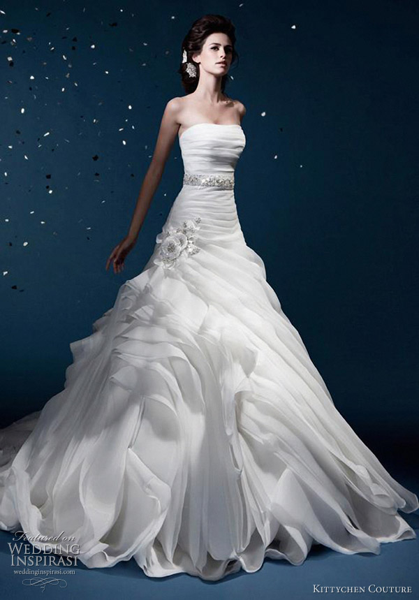 f7bab8c1b3 Kittychen Couture Wedding Dresses 2012 Wedding Inspirasi | Wedding ...