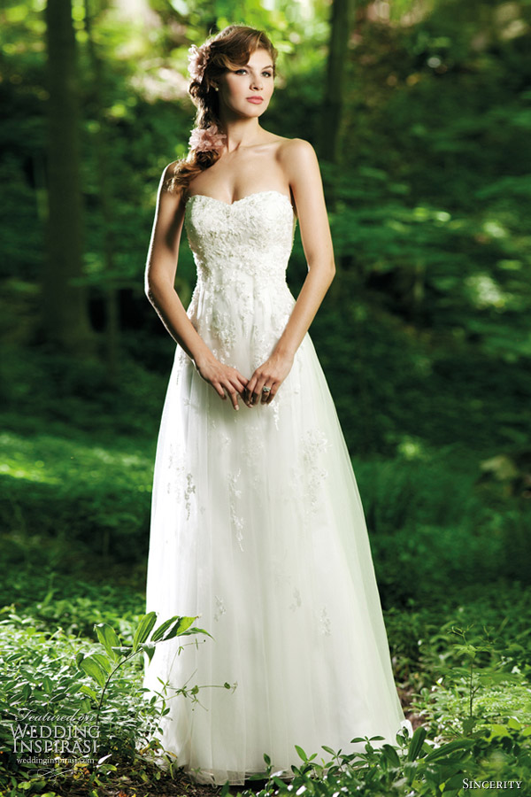 Sincerity bridal wedding dresses 2012 wedding inspirasi for Simple wedding dress for outdoor wedding