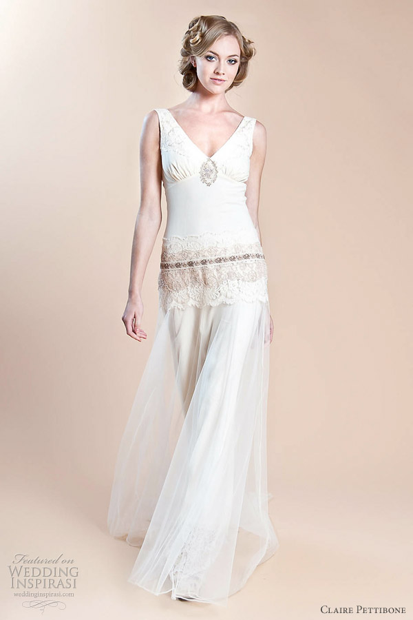 China Tulle Appliqued Bridal Gown Cream Lace Beach ...  Chinese Wedding Dresses 2012