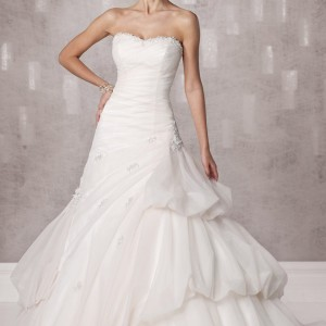 kathy ireland fall 2012 wedding dress 231235