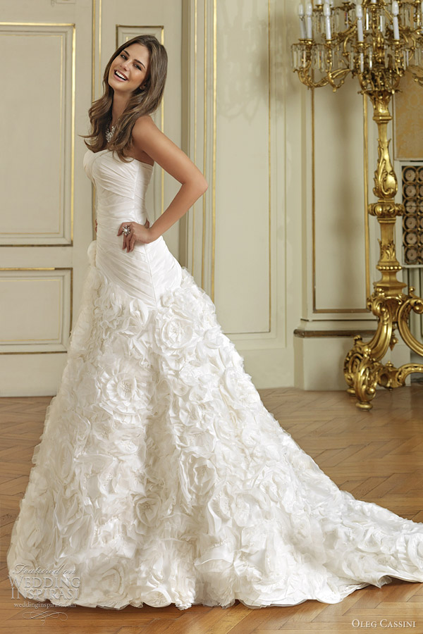 Oleg cassini wedding dresses 2012 wedding inspirasi for Wedding dress designer oleg cassini