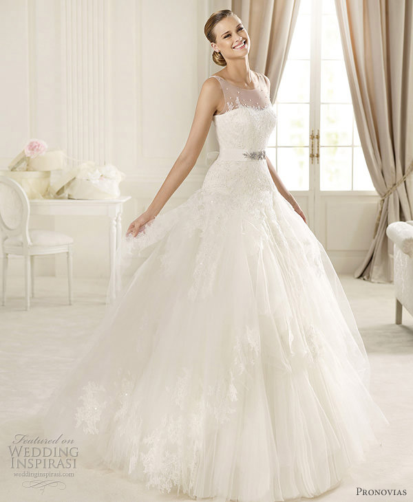 Wedding Gown 2013: Manuel Mota 2013 Pre-Collection