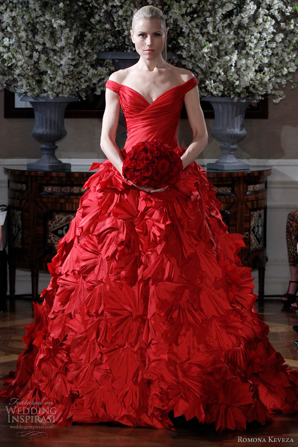 Wedding Dresses Color Red : Red wedding bouquets and dresses