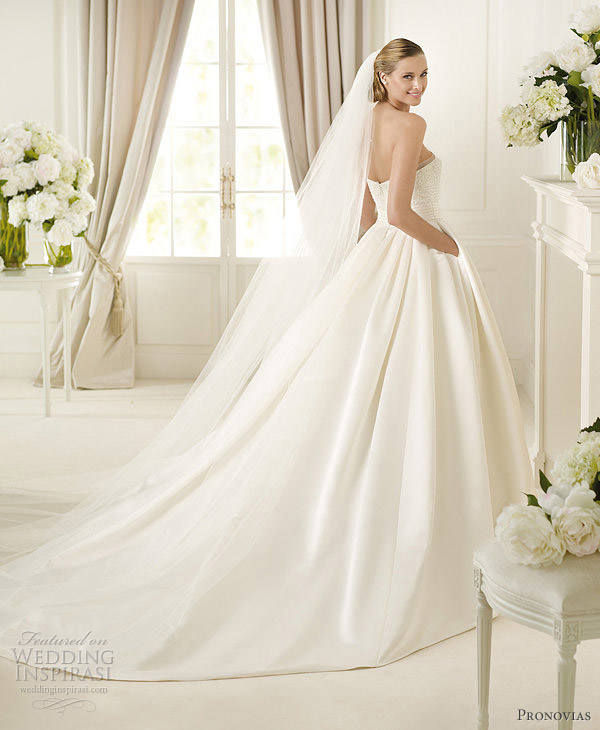 wedding dress with pockets pronovias 2013