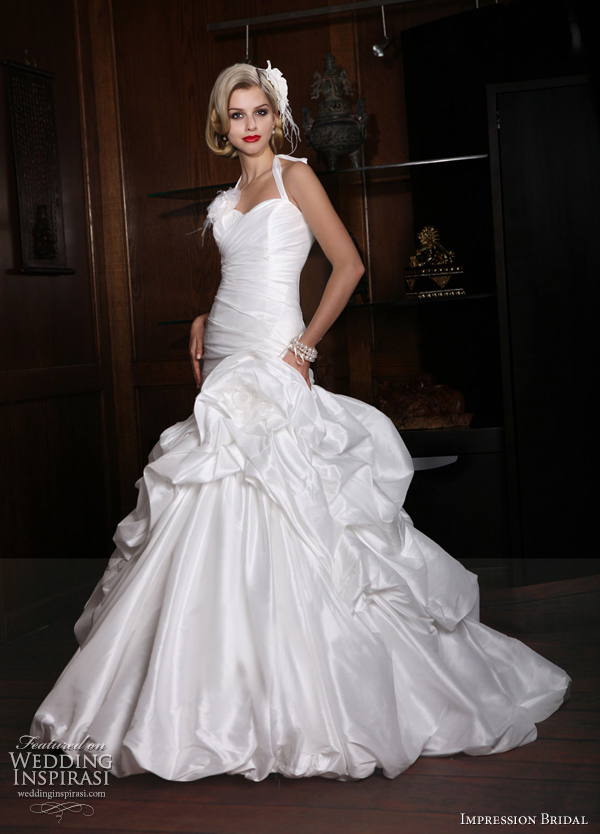 taffeta ball gown halter pick up bubble hem wedding dress 10129