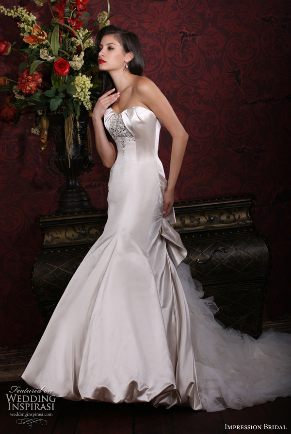wedding dress 2012 strapless sweetheart bubble hem chapel 10120