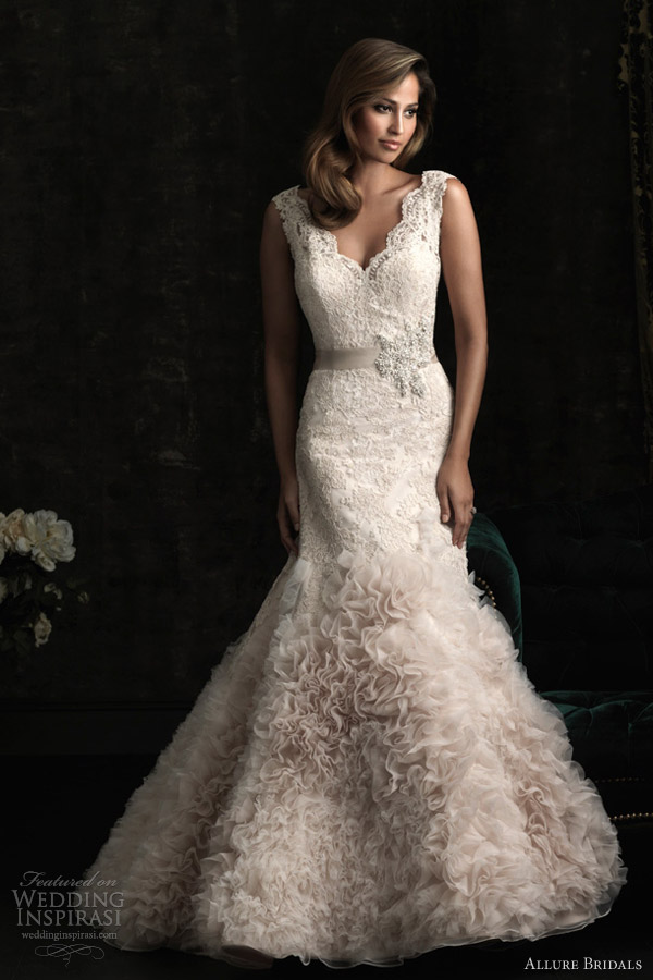 allure bridals 8960 sleeveless lace wedding dress