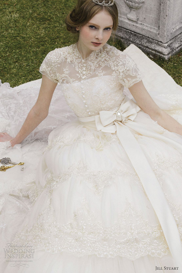 jill stuart bridal 2012 short sleeve lace wedding dress
