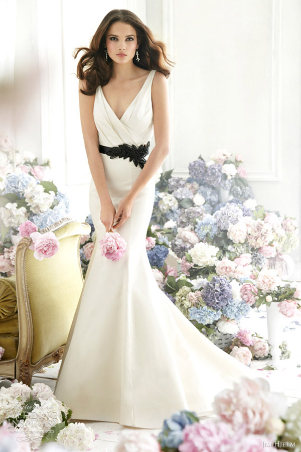 jim hjelm fall 2012 bridal silk satin trumpet gown sleeveless draped v neck natural waist ribbon chapel train