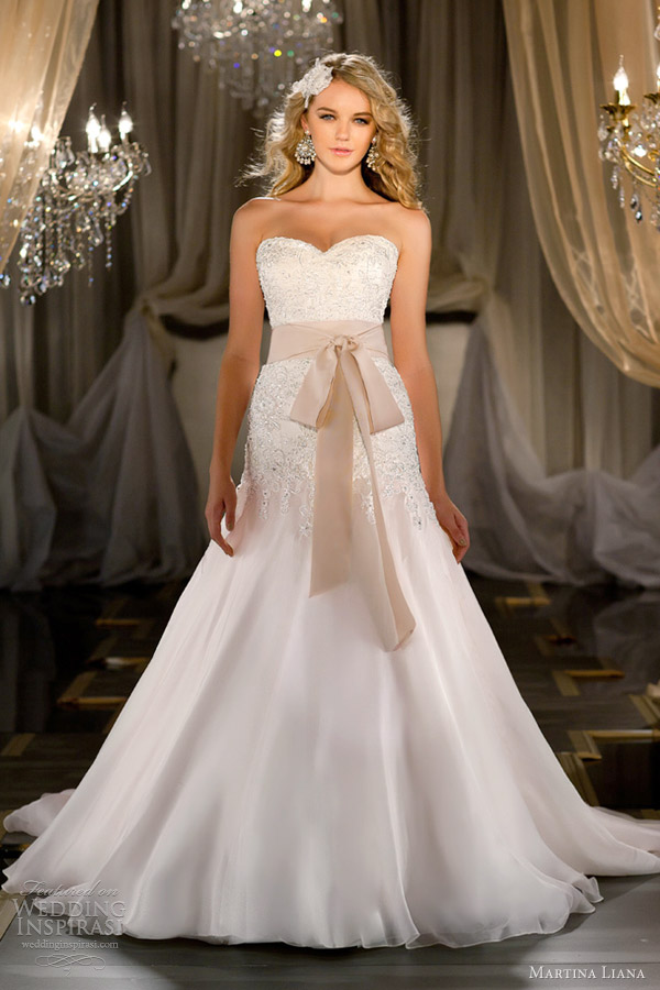 Martina liana 2012 2013 wedding dresses wedding inspirasi for Silk organza wedding dress
